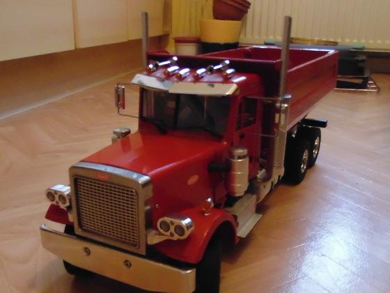 Peterbilt 359 nice Truck
